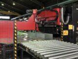 各種盤を効率的に製作するパネルベンダー